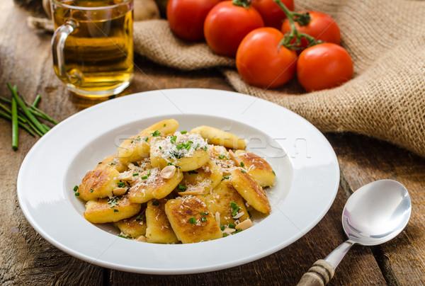 Házi készítésű krumpli diók parmezán parmezán sajt friss Stock fotó © Peteer
