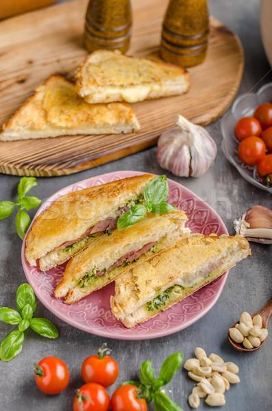 Pesto queijo sanduíche rápido refeição verde Foto stock © Peteer