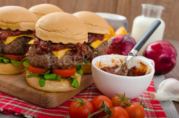 Carne fatto in casa salsa barbecue cheddar pomodorini alimentare Foto d'archivio © Peteer