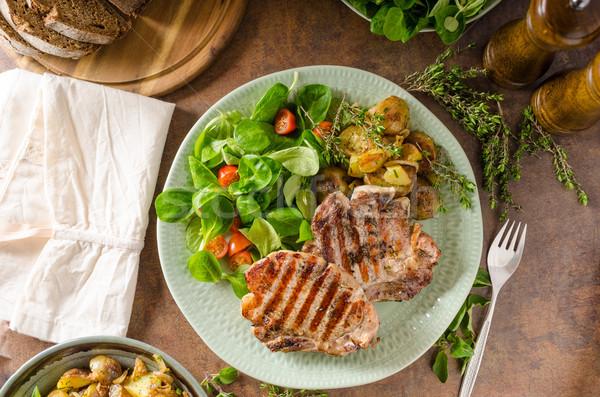 гриль свинина Салат картофельный салат зеленый красный Сток-фото © Peteer