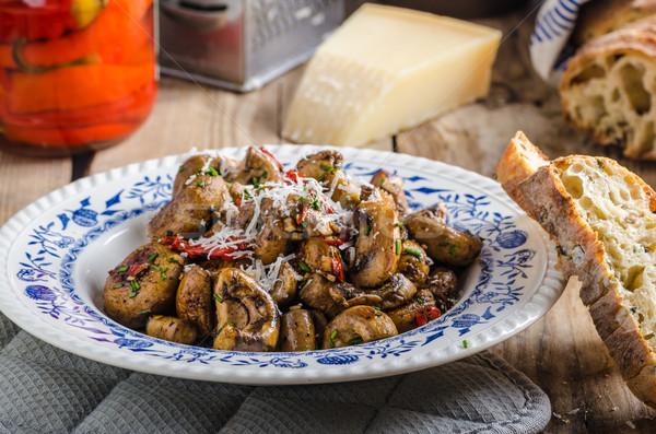 Funghi insalata erbe peperoncino formaggio Foto d'archivio © Peteer