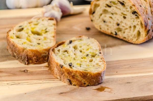 Rustic pâine măsline usturoi ulei de măsline alimente Imagine de stoc © Peteer