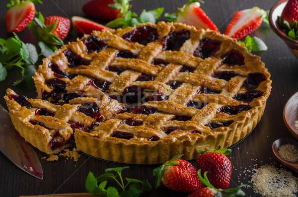 Rústico tarta bayas delicioso edad fondo Foto stock © Peteer