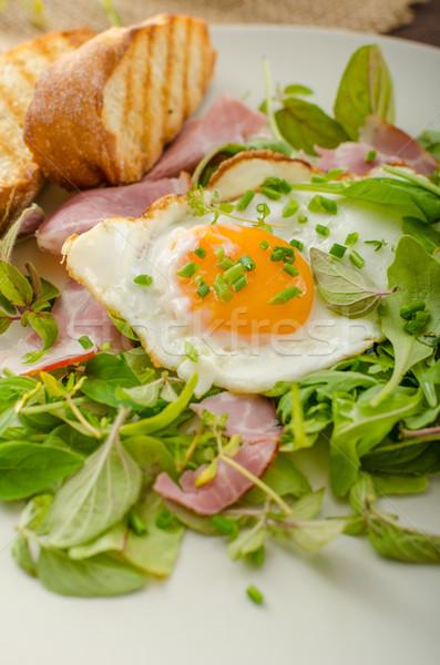 Stok fotoğraf: ışık · yaz · salata · iki · yüzlü · sahanda · yumurta · fındık