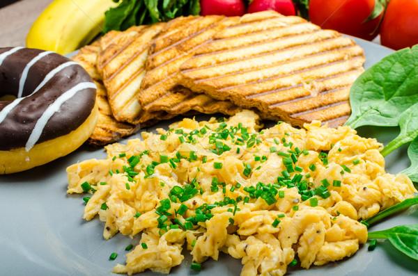 Egészséges reggeli rántotta panini pirítós snidling Stock fotó © Peteer