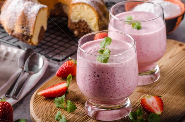 Aardbeien zomer drinken voedsel glas chocolade Stockfoto © Peteer