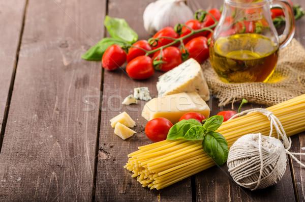 Naturaleza muerta foto pasta queso delicioso tomates Foto stock © Peteer