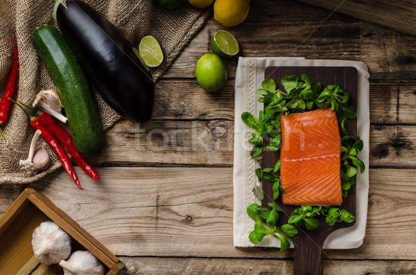 Proaspăt somon salată peşte proteina Imagine de stoc © Peteer