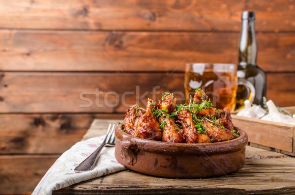 ızgara tavuk kanatlar bira ev yapımı taze arkasında Stok fotoğraf © Peteer
