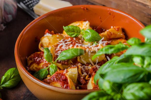 自家製 トルテッリーニ トマトソース ハーブ ニンニク パルメザンチーズ ストックフォト © Peteer