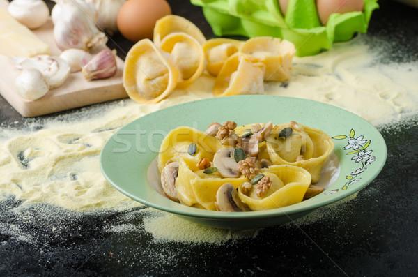 Pasta Italiaans meel tortellini gevuld champignons Stockfoto © Peteer