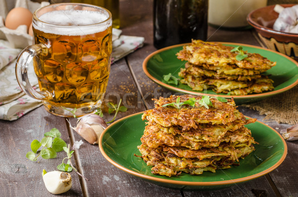 Stock fotó: Krumpli · palacsinták · fokhagyma · sör · gyógynövények · finom