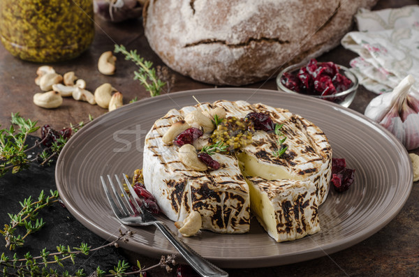 Grelhado queijo camembert queijo delicioso fast-food cremoso Foto stock © Peteer