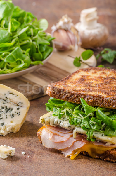 Français Toast fromage bleu salade jambon délicieux Photo stock © Peteer