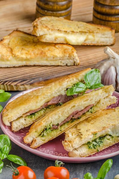 Pesto queso sándwich rápido comida verde Foto stock © Peteer