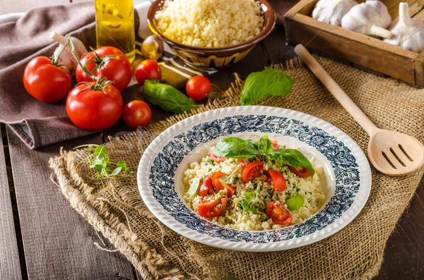 Couscous pesto pomodori veloce cibo vegetariano Foto d'archivio © Peteer