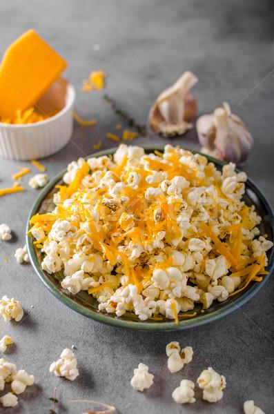 Ev yapımı peynir patlamış mısır sarımsak otlar çedar Stok fotoğraf © Peteer