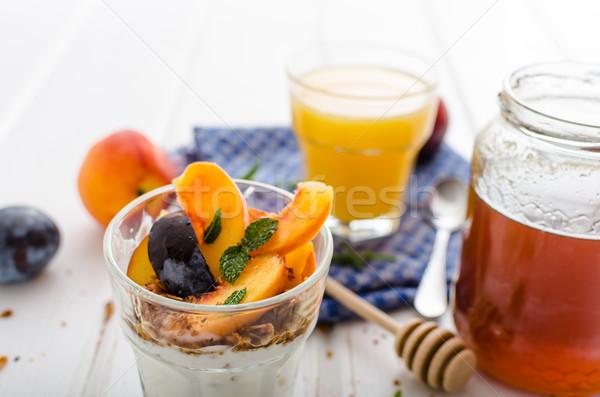 Grieks yoghurt vers fruit honing vers Stockfoto © Peteer