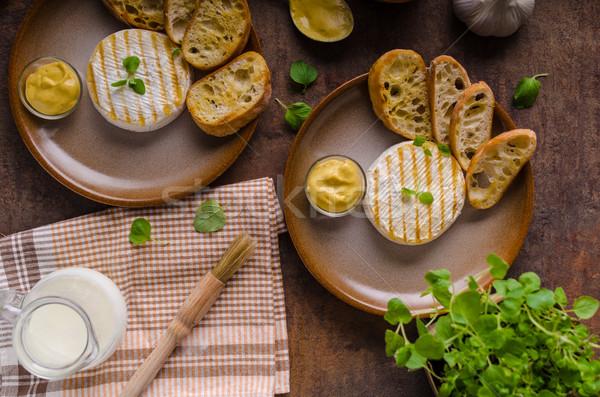 Gegrild camembert mosterd heerlijk frans kruiden Stockfoto © Peteer