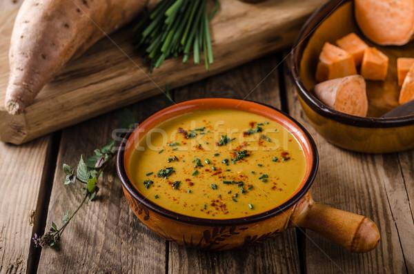 Zoete aardappel soep kruiden chili knoflook plaat Stockfoto © Peteer