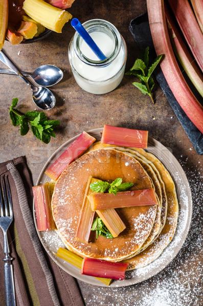 Ev yapımı krep ravent tatlı Stok fotoğraf © Peteer