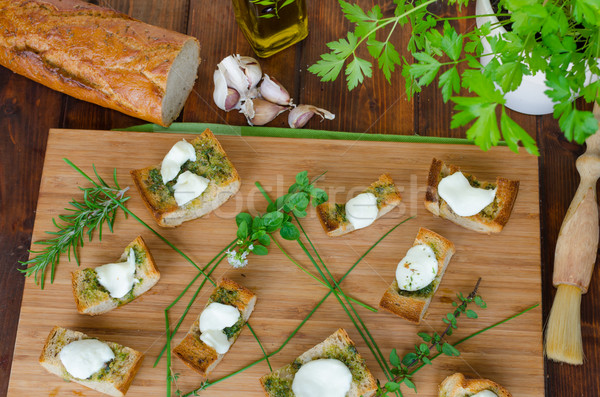 Pirítós mozzarella olívaolaj gyógynövények fokhagyma oregano Stock fotó © Peteer