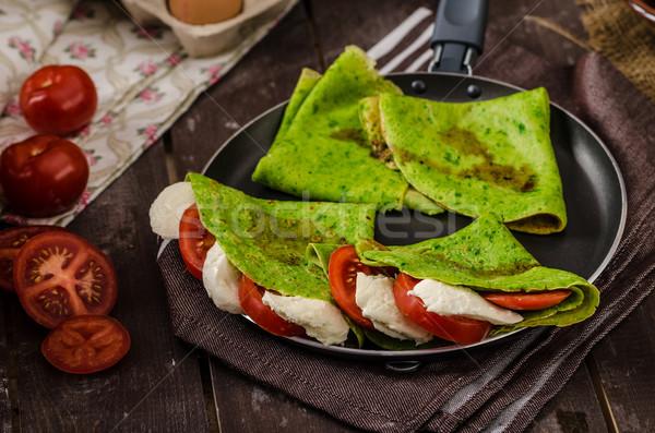 Fatto in casa spinaci ripieno basilico pomodori mozzarella Foto d'archivio © Peteer