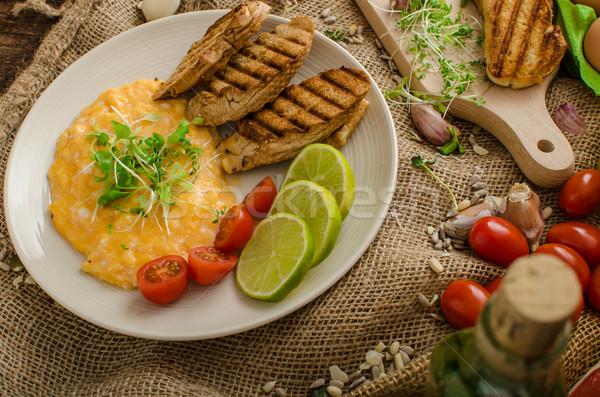 Roereieren romig pluizig panini toast kalk Stockfoto © Peteer