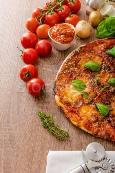 Formaggio pizza peperoncino basilico fresche pomodoro Foto d'archivio © Peteer