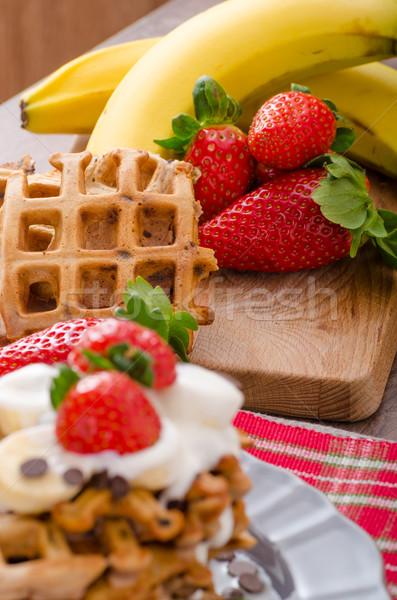 Foto stock: Chocolate · batatas · fritas · frutas · bananas · morangos · leite