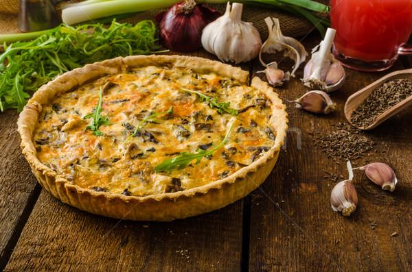 Сток-фото: сыра · куриные · грибы · домашний · древесины · столе