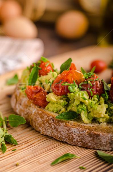 Avokádó paradicsomok pörkölt gyógynövények felső étel Stock fotó © Peteer