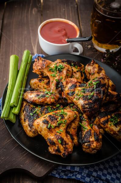 Barbekü ızgara tavuk kanat kanatlar sıcak baharatlı Stok fotoğraf © Peteer