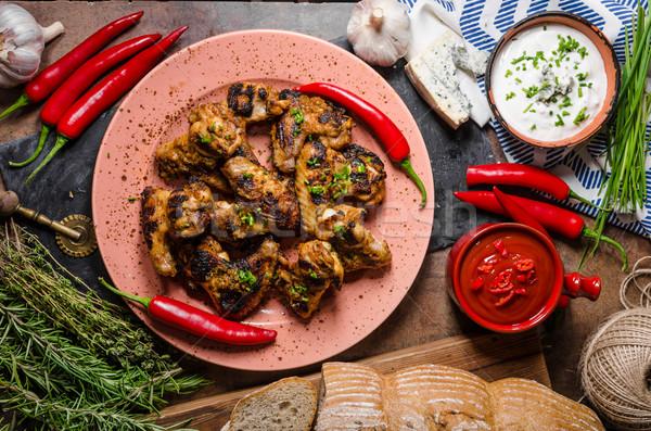ızgara tavuk kanatlar çili rokfor sos Stok fotoğraf © Peteer