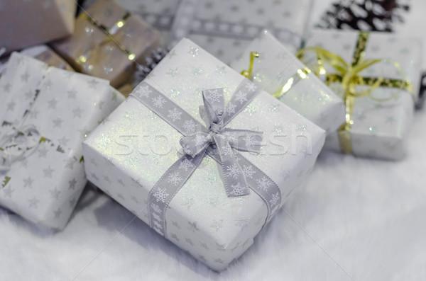 Stok fotoğraf: Noel · ağacı · geleneksel · hediyeler · ışıklar · beyaz · ağaç