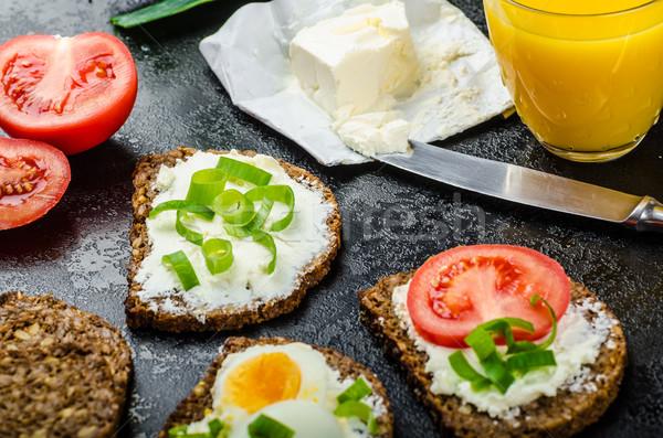 Egészséges falatozó teljes kiőrlésű kenyér krém sajt bio Stock fotó © Peteer
