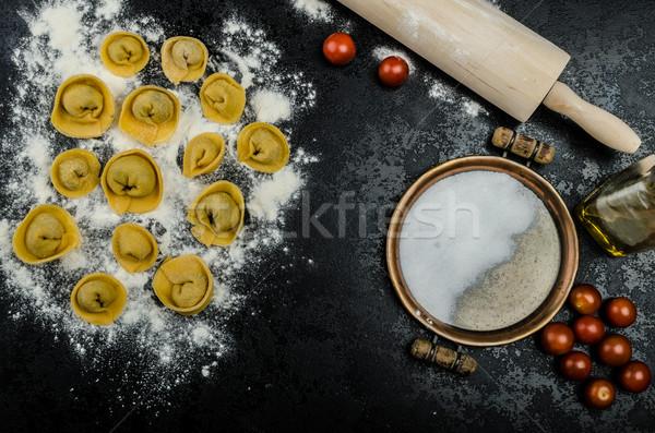 Házi készítésű tészta tortellini töltött gombák fokhagyma Stock fotó © Peteer