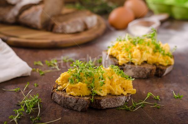 Stock fotó: Rántotta · teljes · kiőrlésű · kenyér · friss · tojások · tányér