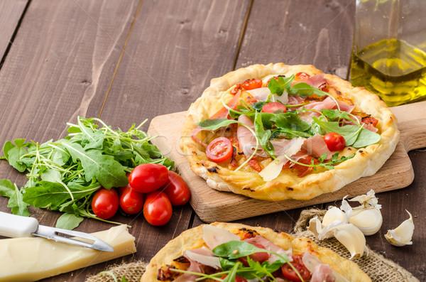 Italien pizza parmesan prosciutto faible Photo stock © Peteer