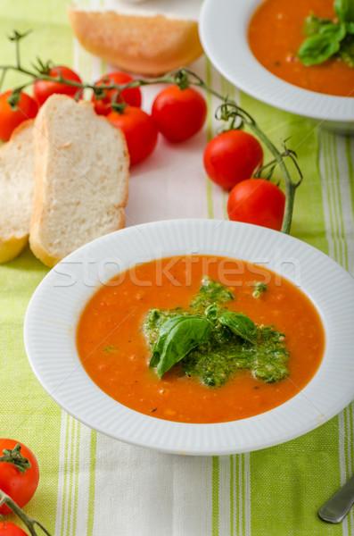 Paradicsomleves szép egészséges vegetáriánus étel fehér kenyér étel Stock fotó © Peteer