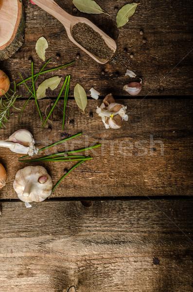 Oignons ail herbes bio jardin brut Photo stock © Peteer