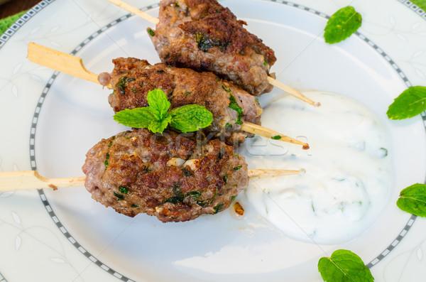 Carne kebab couscous coriandolo aglio menta Foto d'archivio © Peteer