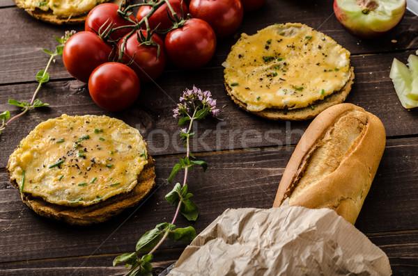 Mini crujiente frescos tomates hierbas Foto stock © Peteer