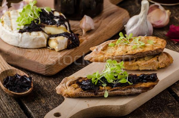 Geroosterd brood brie uien ui Stockfoto © Peteer