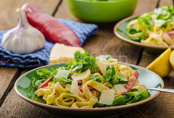 Tagliatelle bacon alho salada caseiro macarrão Foto stock © Peteer