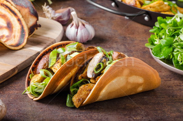 Ev yapımı tavuk tacos doldurulmuş sebze akşam yemeği Stok fotoğraf © Peteer