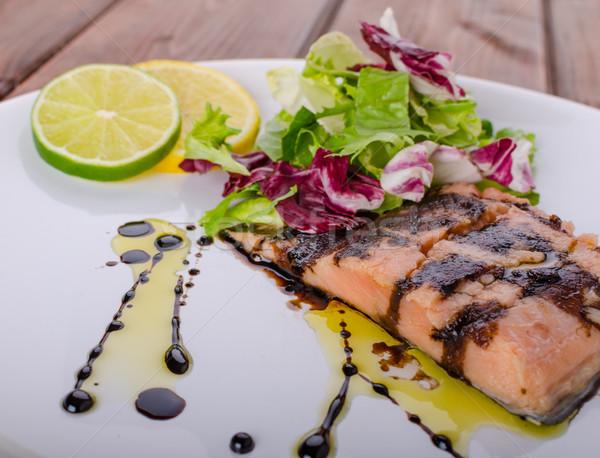 лосося сокращение бальзамического уксуса сахар свежие Салат Сток-фото © Peteer