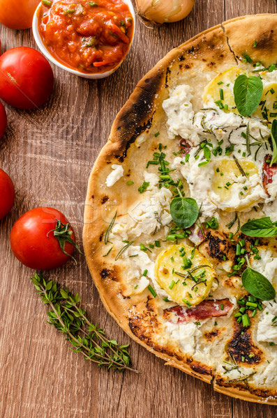 Pizza romarin pommes de terre fromages ail herbes Photo stock © Peteer