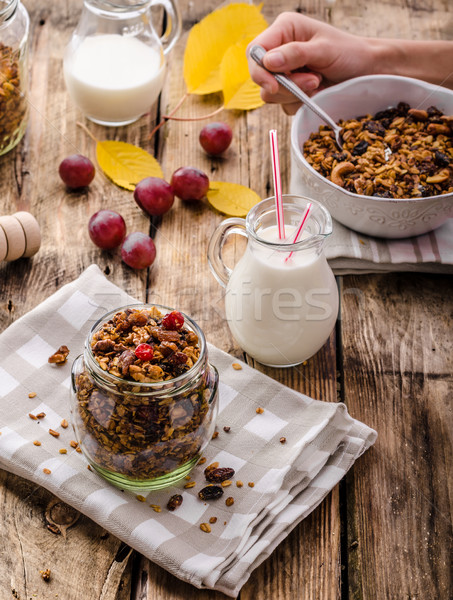 Granola nozes mel peças fruto completo Foto stock © Peteer