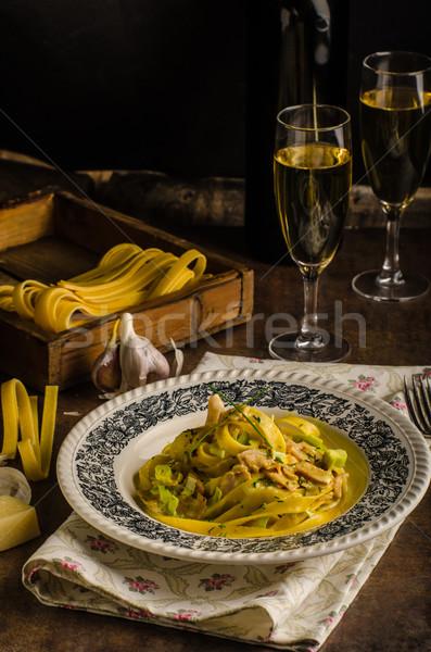 Tagliatelle tavuk köri şampanya ev yapımı makarna en iyi Stok fotoğraf © Peteer